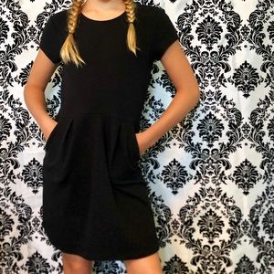 Gap kids black dress with pockets